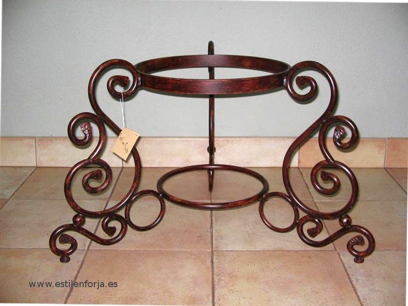 maceteros de forja artesana y decoracion para interior