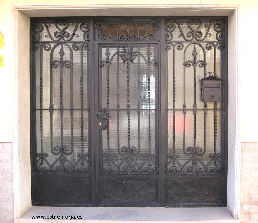 Trabajo originales de hierro forjado en forja artesana - Puertas originales ...